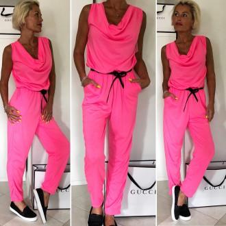 Dámské oblečení - Dámský společenský kalhotový overal NEON PINK